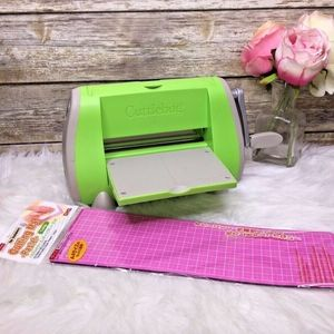 Cricut Provo Craft Cuttlebug Die Embossing Machine